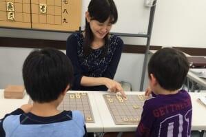対面式の将棋は将棋教室や道場で