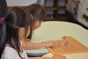 将棋は日本の伝統的な木製玩具