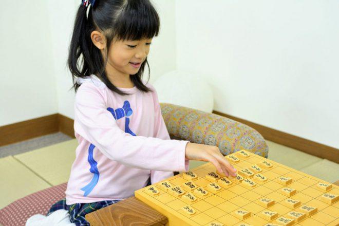 将棋初心者の子どもたちでも楽しく続けられる将棋上達法を紹介します。