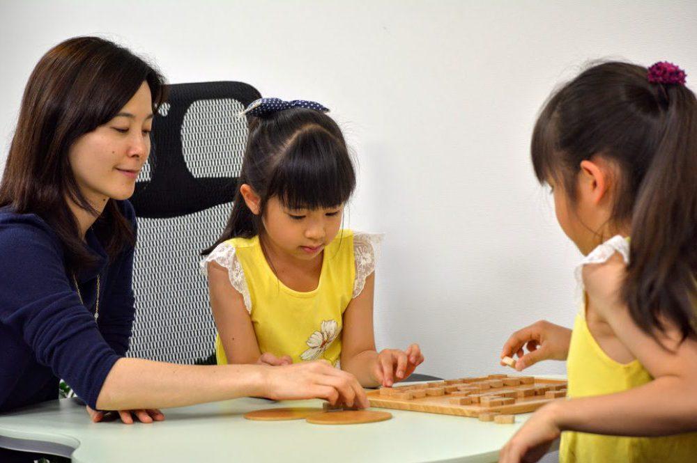 女の子も将棋を楽しめます。