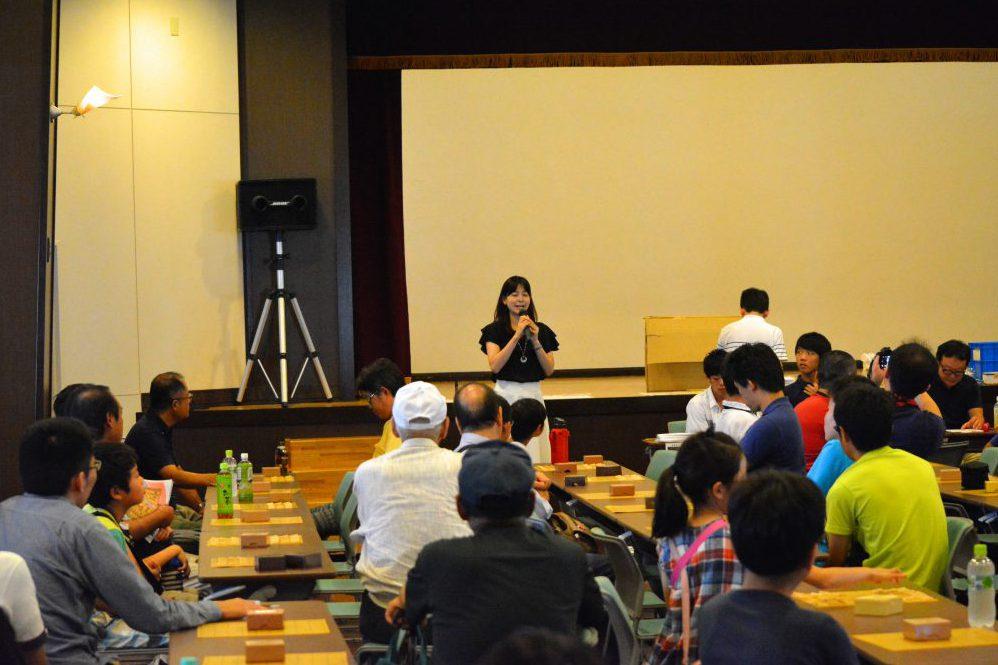 内藤國雄杯アマ王位戦子ども大会決勝にて名人戦盤駒を使用しました。