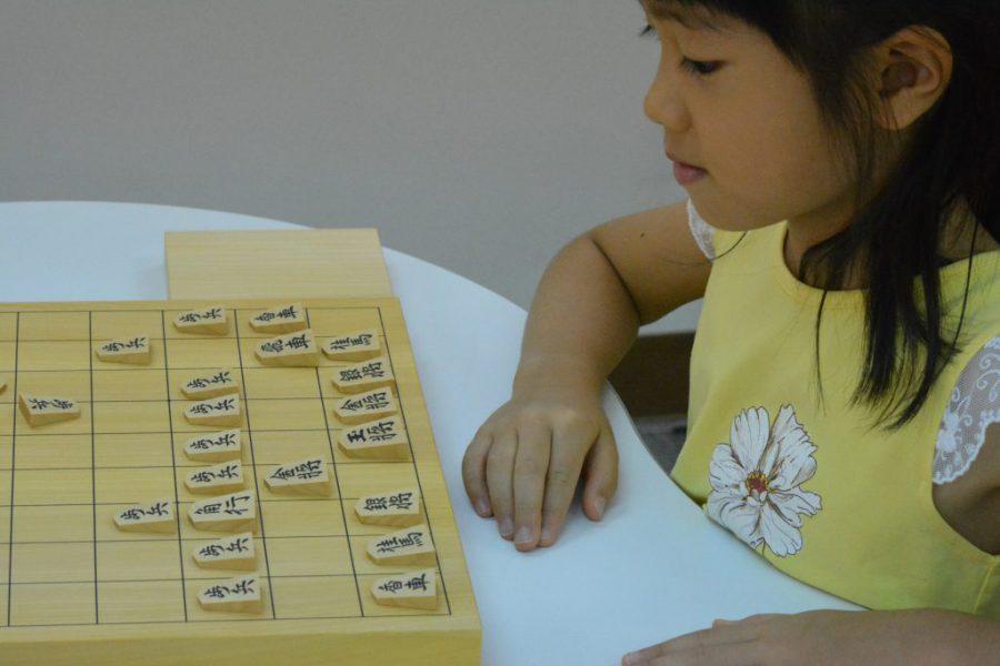 将棋は駒にうまくチームワークをとらせるゲームです。
