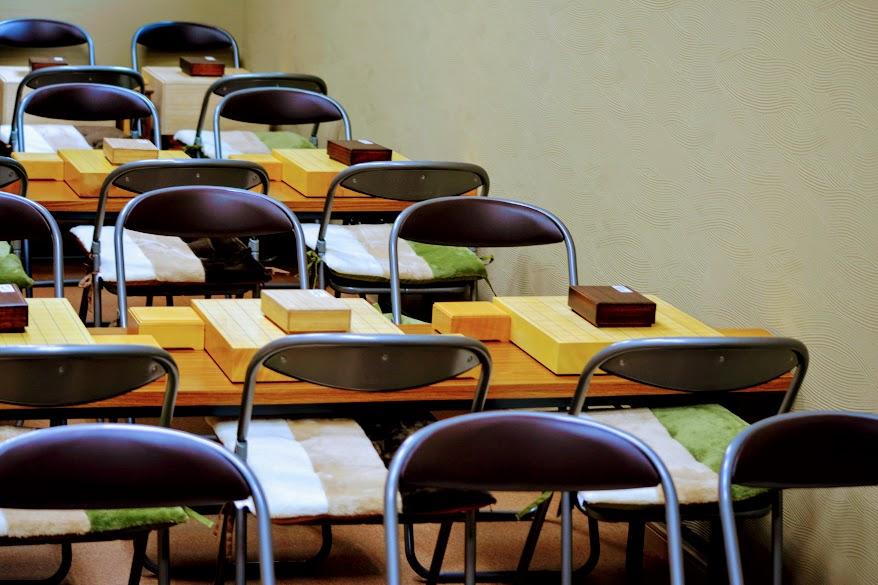 教室は和を意識したインテリアで統一