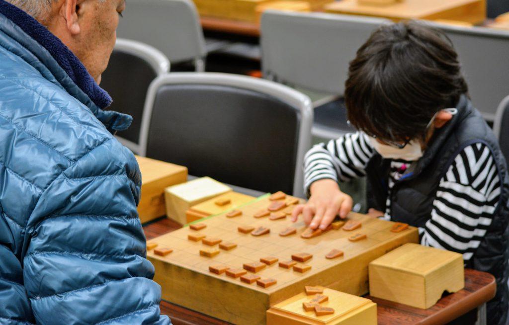 大会で大きな相手と当たることを想定して、将棋教室で模擬練習。