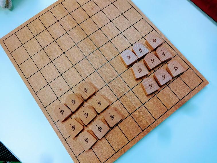 歩は、3枚1組6つのグループに分けてあげると数えやすいです。