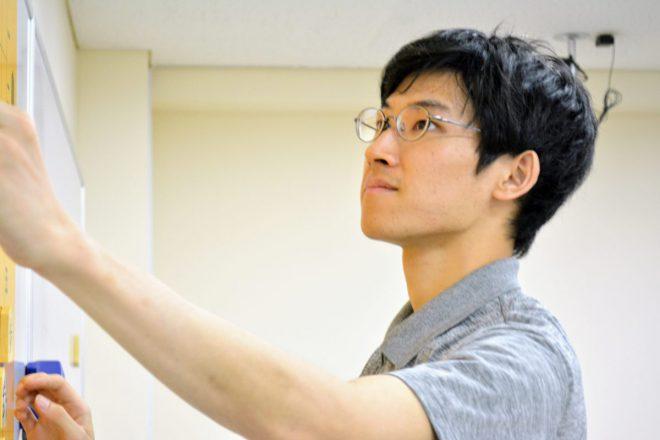 奨励会退会後、いつつ将棋教室の講師を務めています。