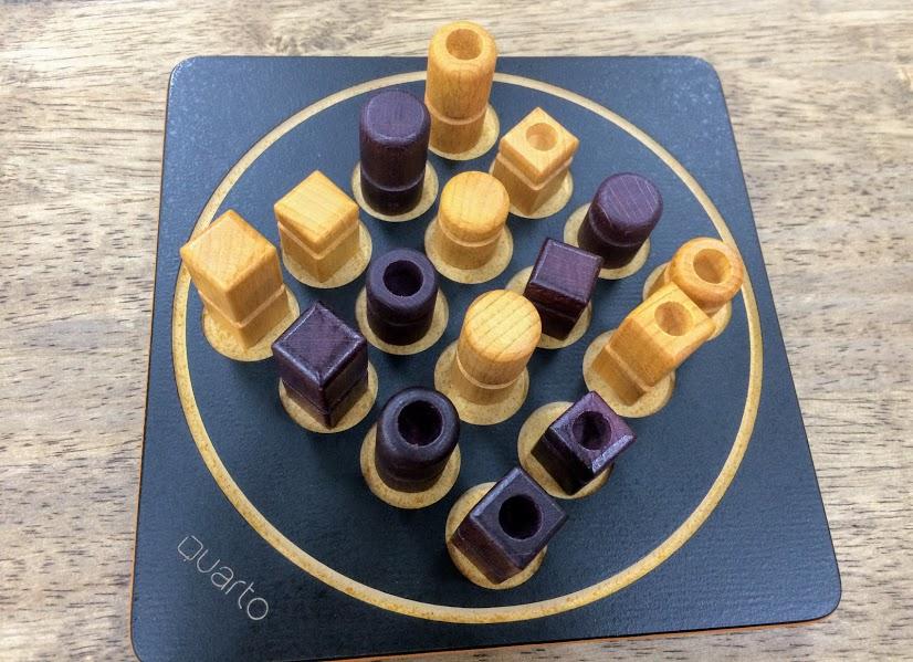 16個全部違う駒なので色んな可能性を考える