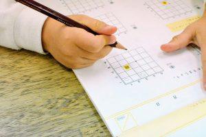 課題を事前に準備しておくなど子どもを暇にしない工夫が大切。
