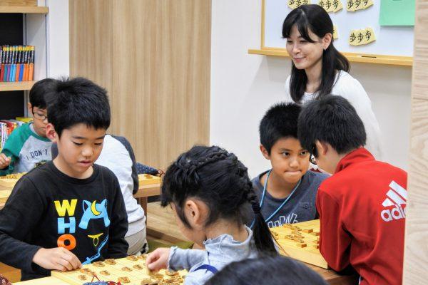 子どもたちが、いきいきのびのびできる将棋教室を目指したいです。