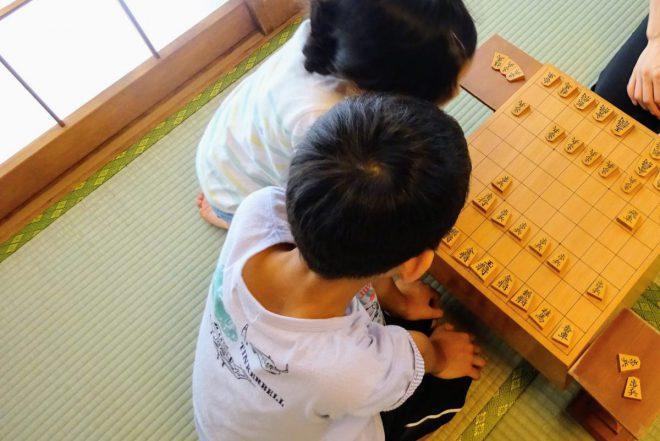 幼い頃に将棋を指した記憶を辿る人が多い?