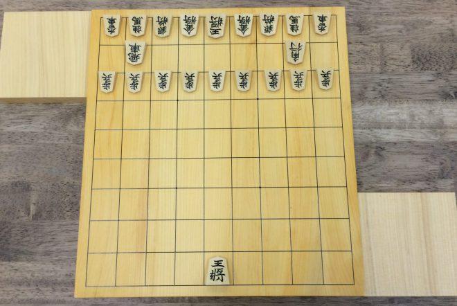 駒の動かし方を覚えたばかりの初心者の子どもたちには玉1枚