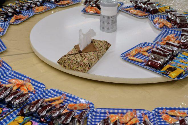 取材当日は今年度最初の大会。みんな休憩の合間におやつを食べてエネルギーをチャージ
