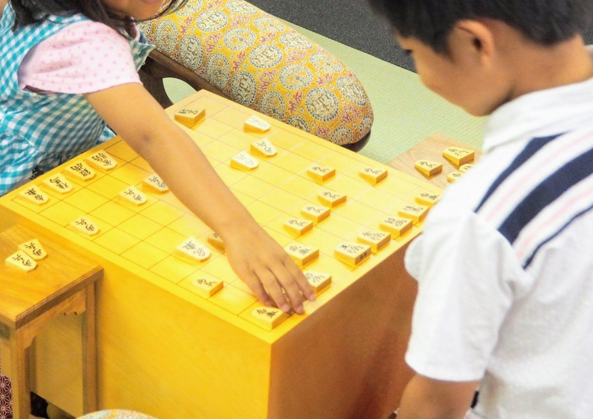 子どもはいい指し手を思いつくとすぐ指したくなる