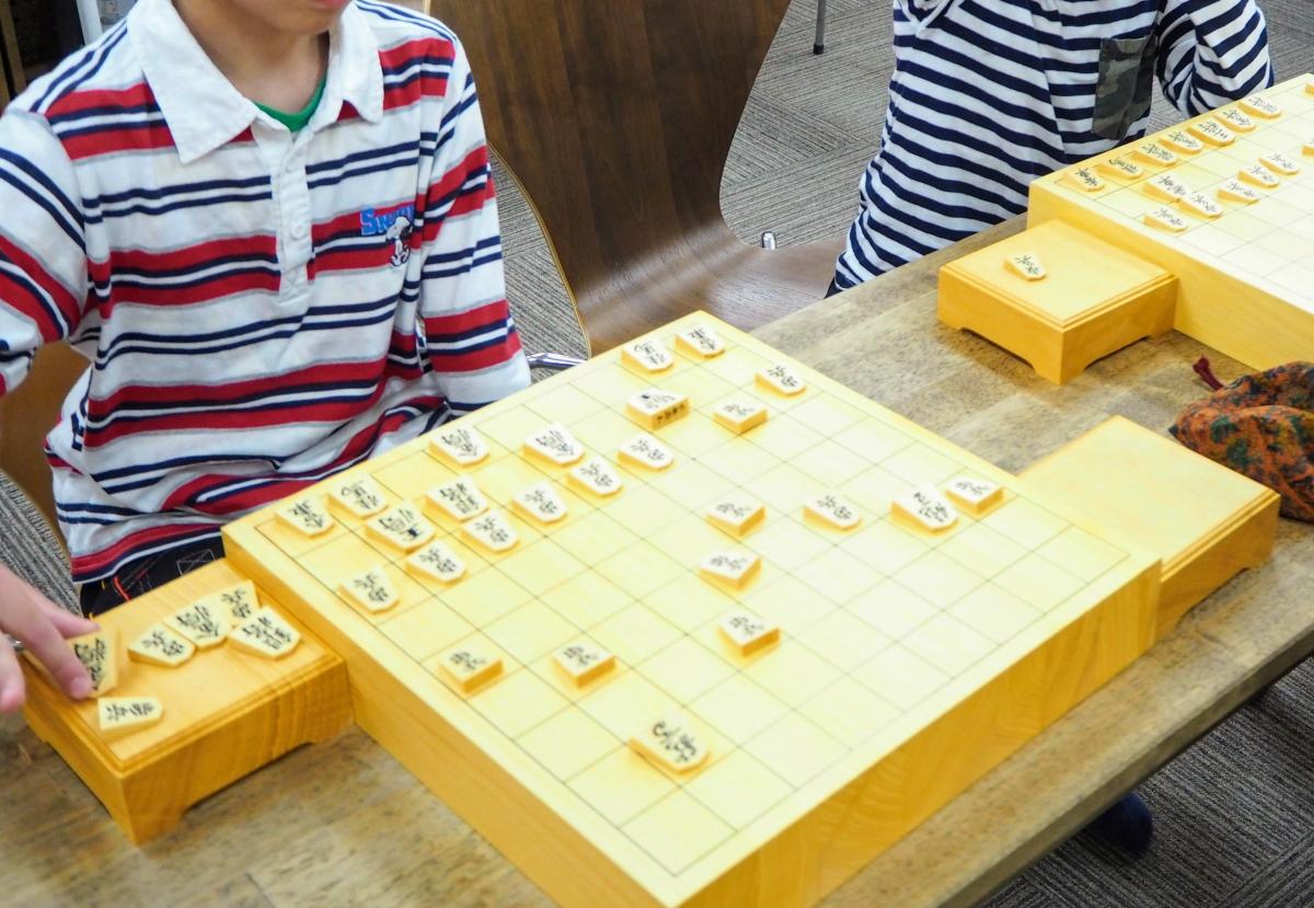 将棋初心者の子どもたちは持ち駒が上手く使えない