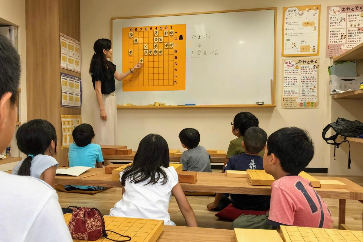 いつつ将棋教室では、みんなに初段を目指してもらいます。