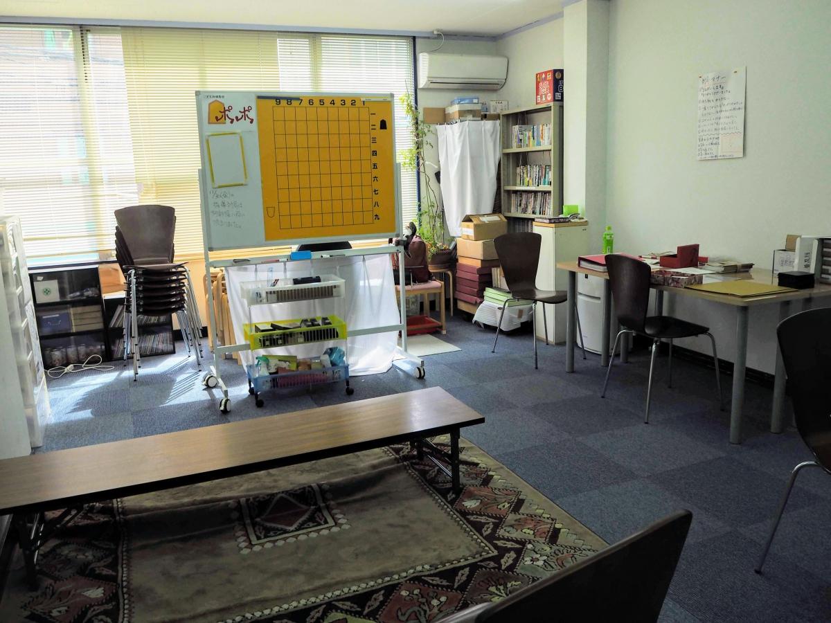 将棋を習いそびれる子どもたちのために将棋教室を開校