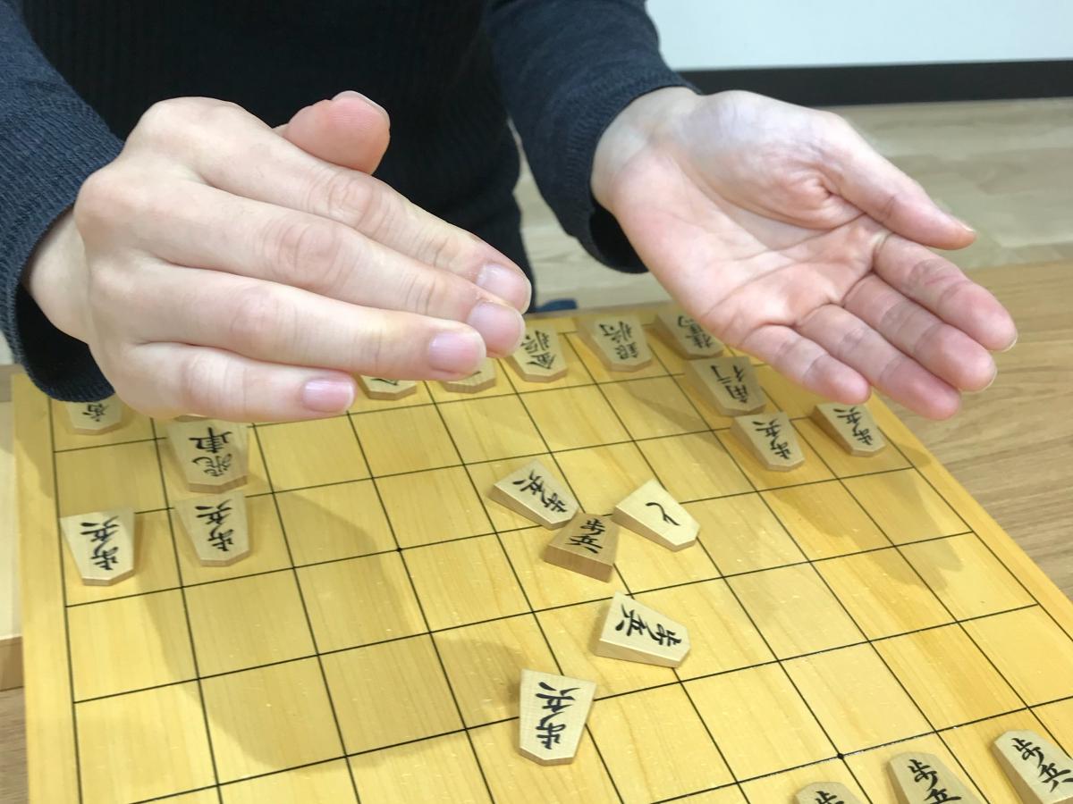 将棋の振り駒の習慣は現在まで続いています。