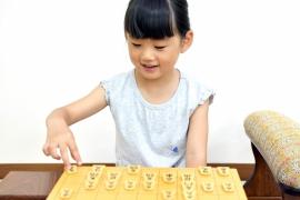 子どもが将棋教室に通うママさんたちからの質問に女流棋士中倉彰子がお答えします