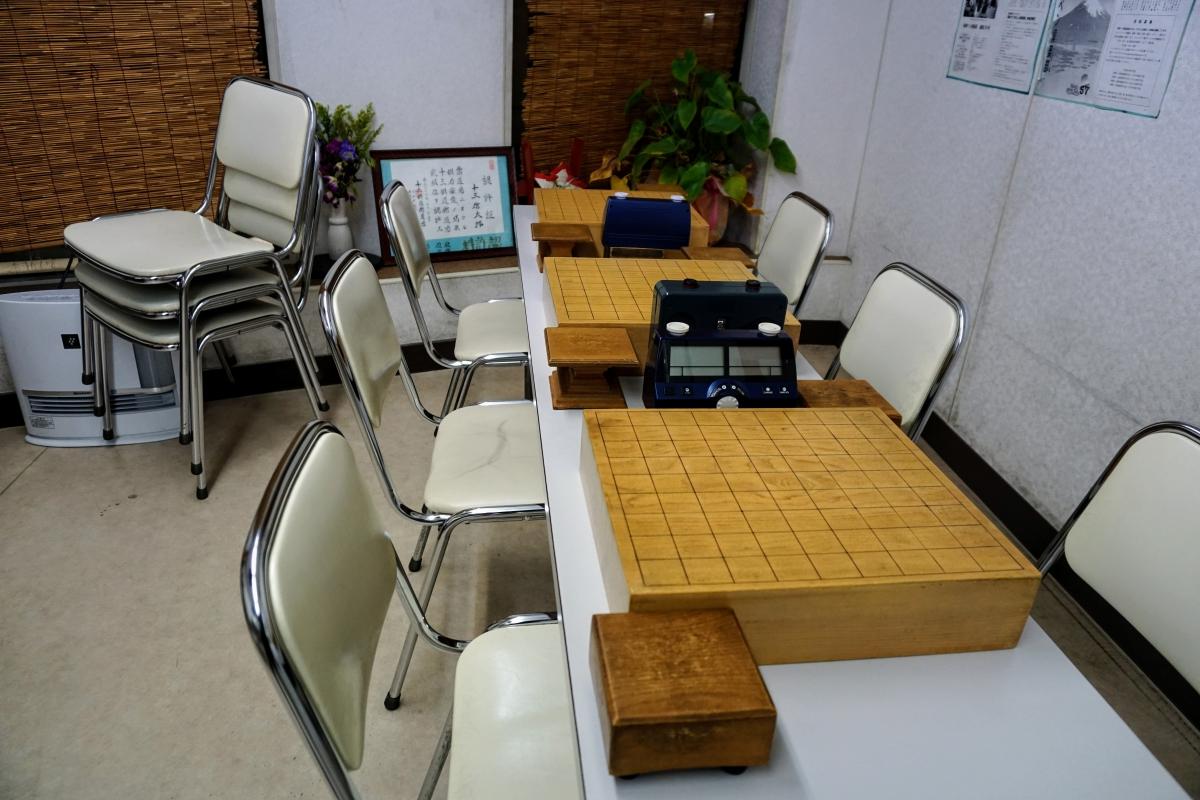 使い込まれた道具から棋道舘の長い歴史を感じる
