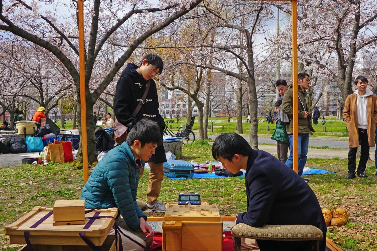 風情ある日本の景色とともに古風な将棋の魅力を発進